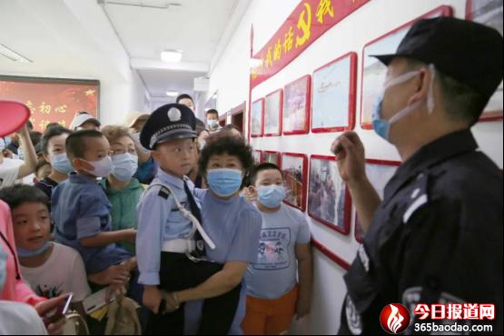 """哈尔滨市公安局巡特警支队举行""""警营开放日""""活动"""