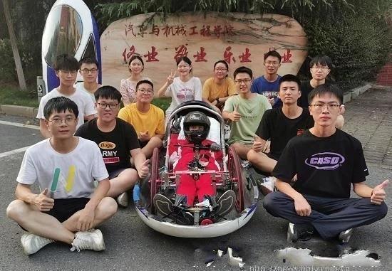 长沙理工大学:学子设计绿色环保节能车5毛钱从长沙跑到张家界