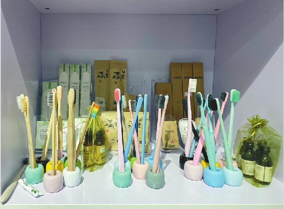 济南:限塑令延伸至酒店行业 一次性塑料用品的禁令死结能否解开?