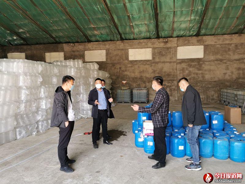 黑龙江省宝清县:推广水稻秸秆全量原位腐熟还田技术