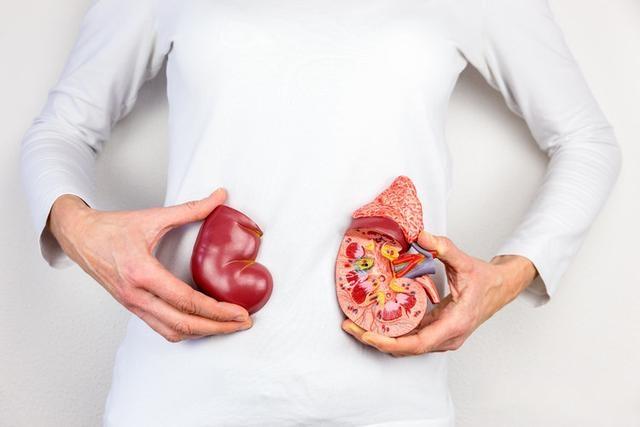 """为什么""""尿毒症""""越来越多?医生劝说:5个原因别碰,肾会感谢你"""