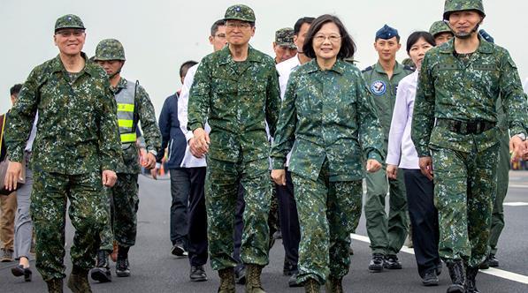 """美军机接连逼近广东海岸,""""台独""""势力该高兴吗?"""