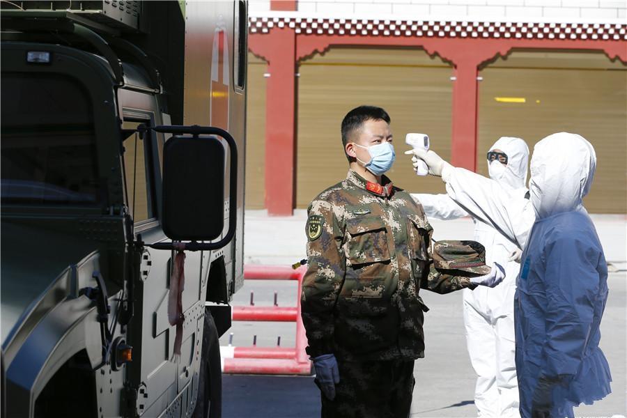 武警某部对休假返营人员进行医学隔离观察