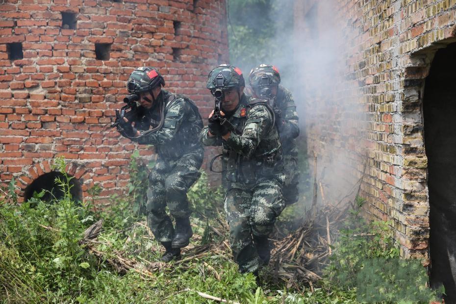 武警贵州总队机动支队开展野外驻训