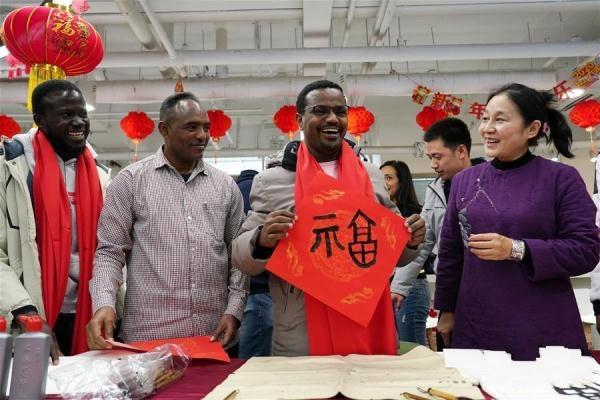 北京:留学生感受中国年味