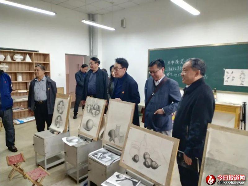 山东省毛泽东军事思想研究中心领导到济南三中访问交流