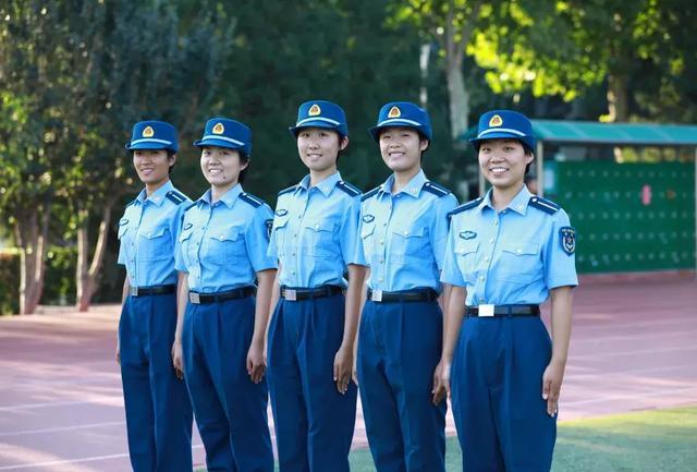 """壮志凌云!清华大学首次迎来5位""""双学籍""""女飞行学员"""