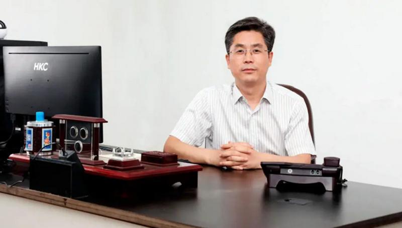 黄明:一位卖烧鸡年销售将过亿的大学教授