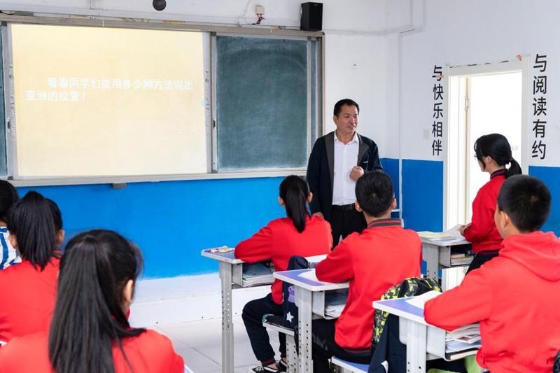 乡村教师马建国:扎根漠河 情暖学子