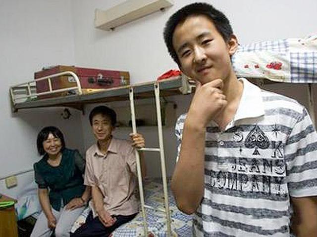 2岁识千字,10岁参加高考,全国年龄最小的大学生、研究生和博士
