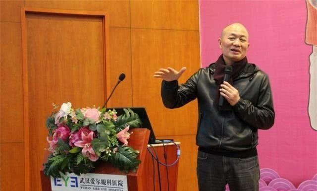 中国慈善第一人诞生,名气不大却默默捐出45亿,许家印也自叹不如