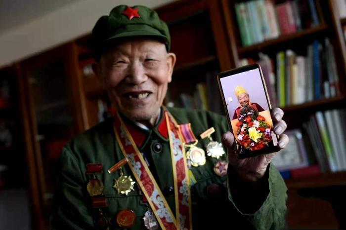 87岁抗美援朝老兵的摄影生涯:从18岁缴获第一台照相机起