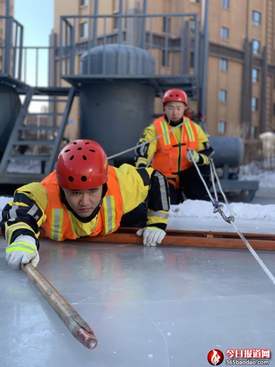 特勤实战化训练之——开展低温冰雪冰冻灾害救援事故处置专项训练364.png