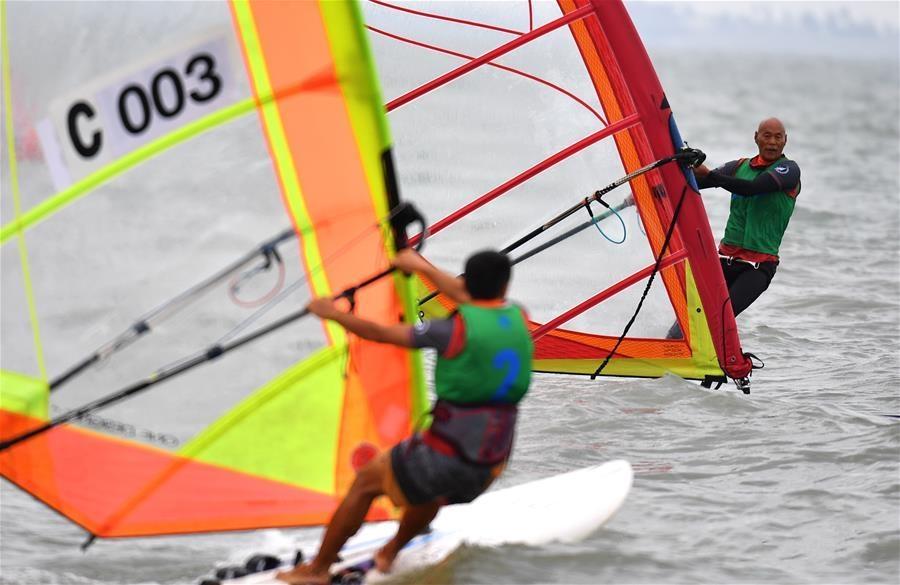 中国大众帆板巡回赛海口站开赛