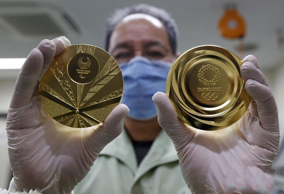 造币厂展示金牌 东京奥运会奖牌制作迎最后阶段