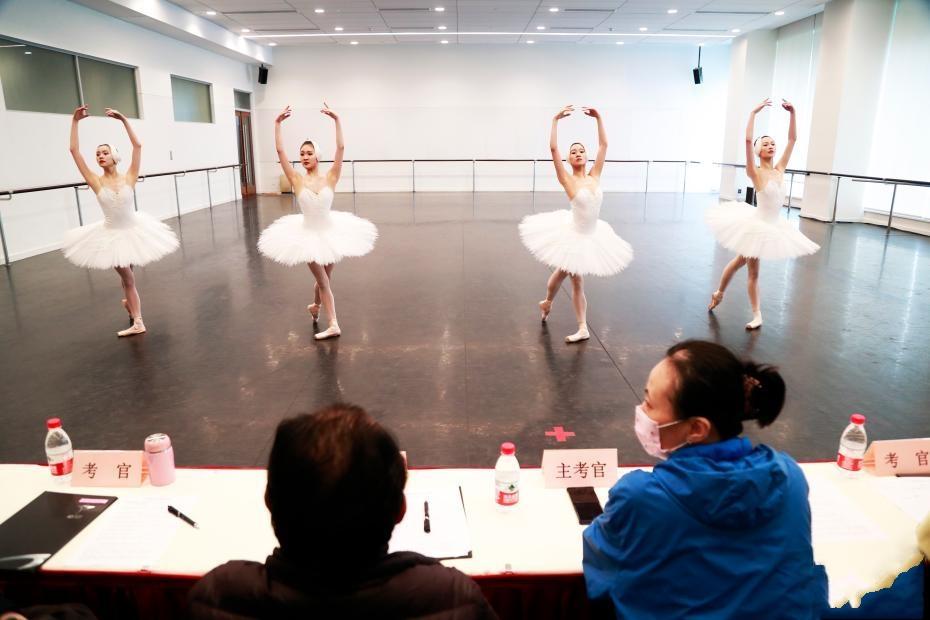选拔人才鼓励原创 上海芭蕾舞团迎来年度考核