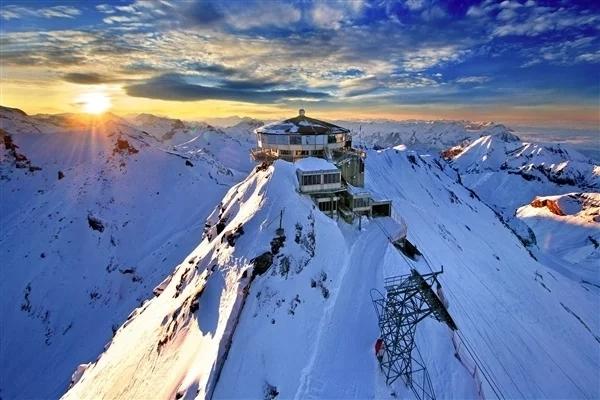 尝试了100多年后:人类首次在冬季征服世界第二高峰乔戈里峰