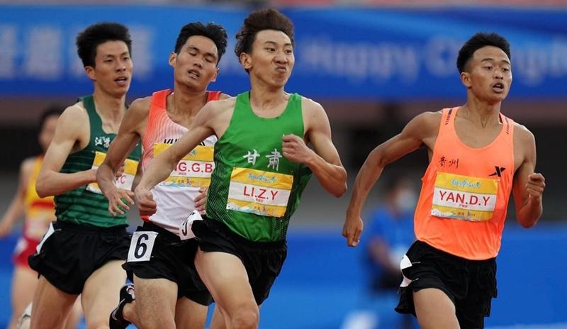 """李泽宇夺得""""相约幸福成都""""田径邀请赛男子800米冠军"""