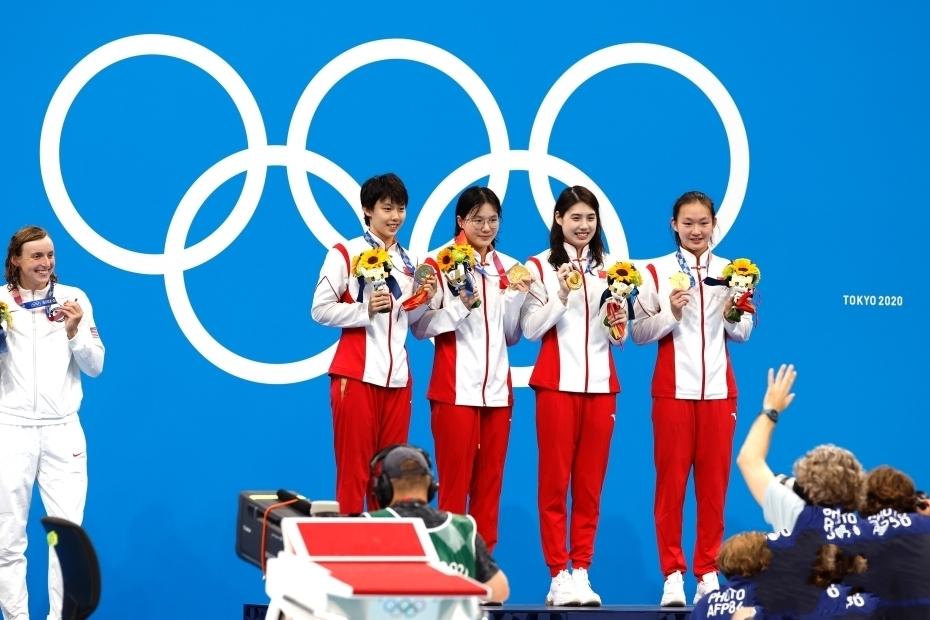 女子4x200米自由泳接力决赛 中国队破世界纪录夺冠