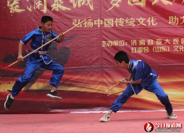 """""""爱涌泉城  梦回大观""""传统文化公益展演武术舞蹈专场活动在大观园举行"""