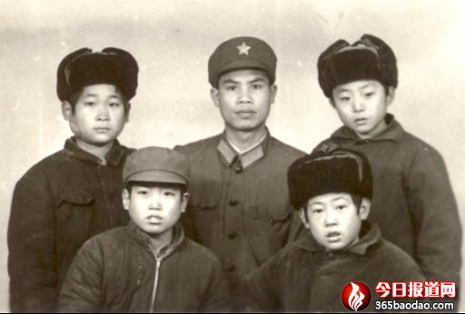 人民子弟兵  舍己为人民 ――韦绍东英勇破冰救儿童