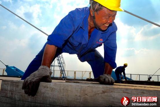 魂系齐鲁第一路 ――献给铁道部第十四工程局济青高速公路的建设者们
