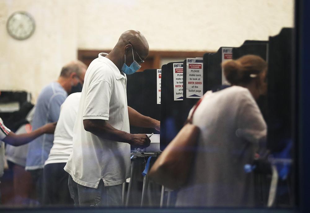 佛州首日提前投票超35万创纪录,全美已有超三千万选民投票