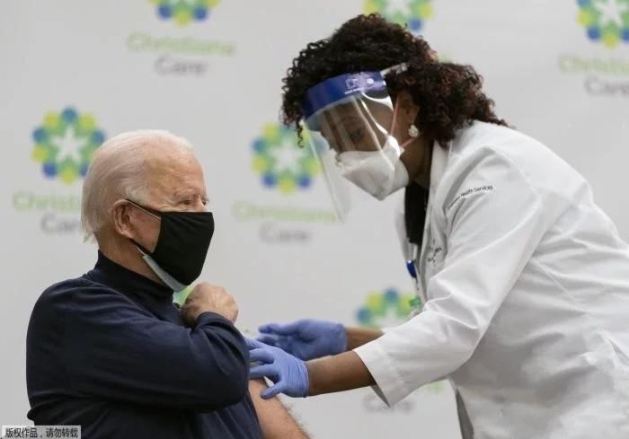 美国当选总统拜登公开接种新冠疫苗 促民众保持警惕