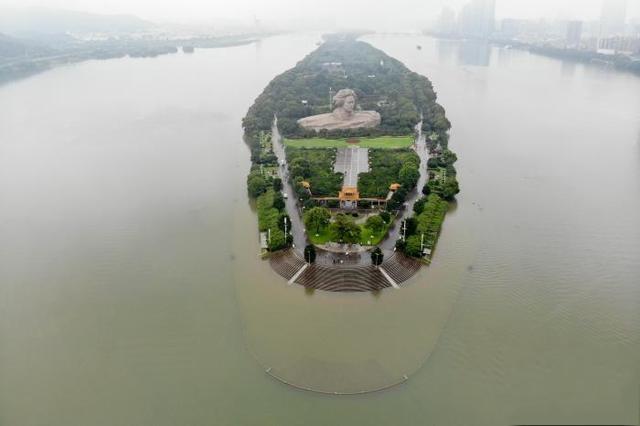 强降雨已致湖南130余万人受灾 湘江长沙站11日晚将现洪峰