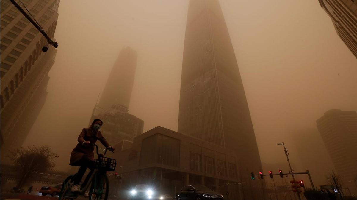 时隔5年北京再现沙尘暴,原来是境外输入,各路外媒开始大肆炒作