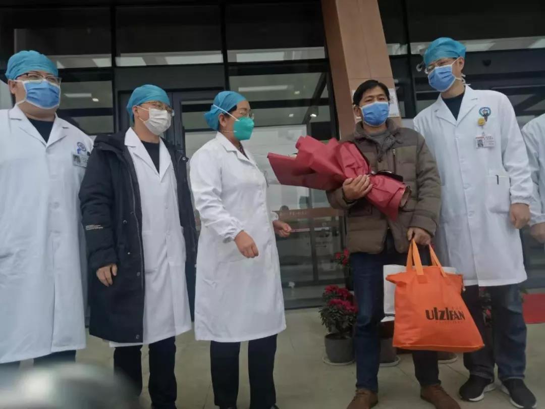 江西首例新型冠状病毒感染肺炎患者治愈出院