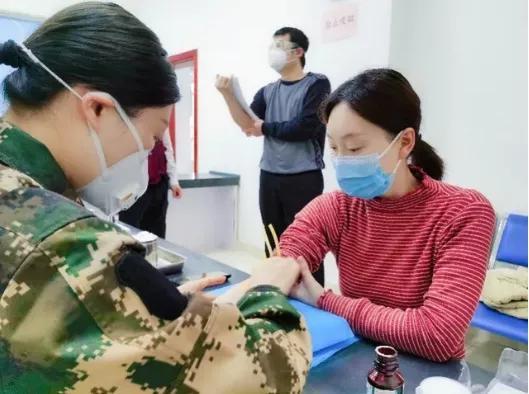 首位新冠疫苗试验女性结束观察,CT结果出来了