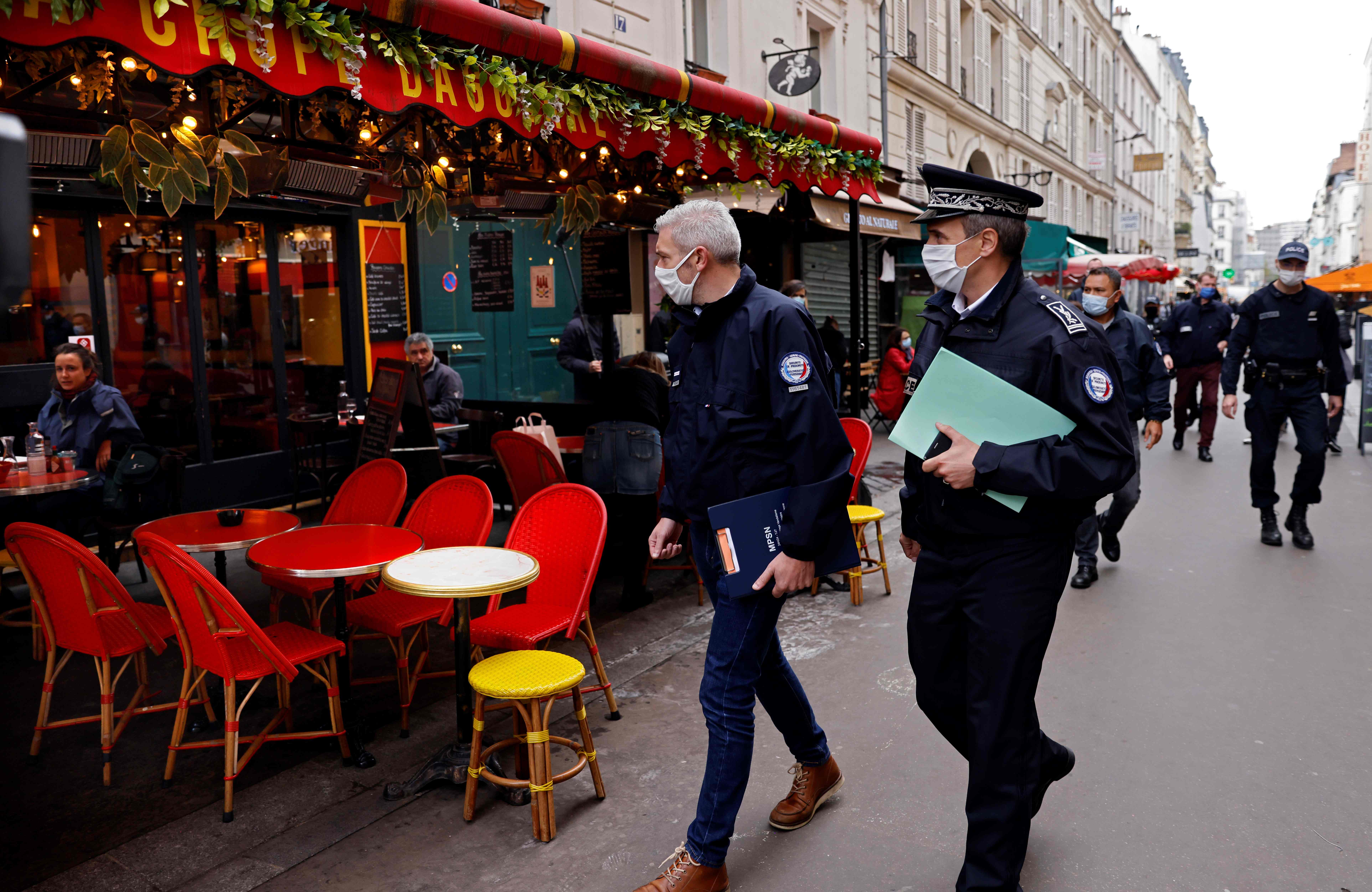 """巴黎进入疫情""""最高警戒""""状态"""